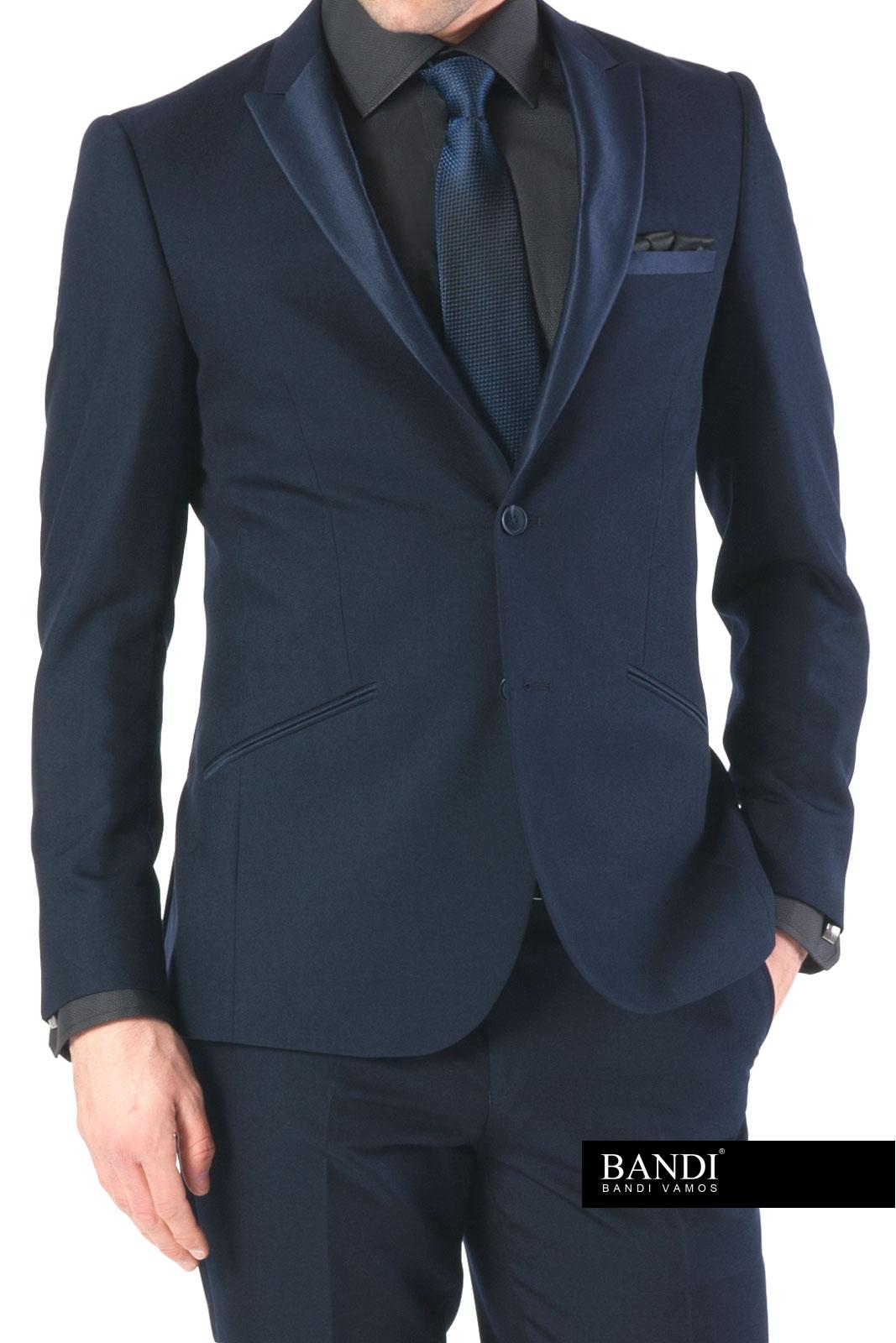 Příklad outfitu na ples – modrá lesklá kravata