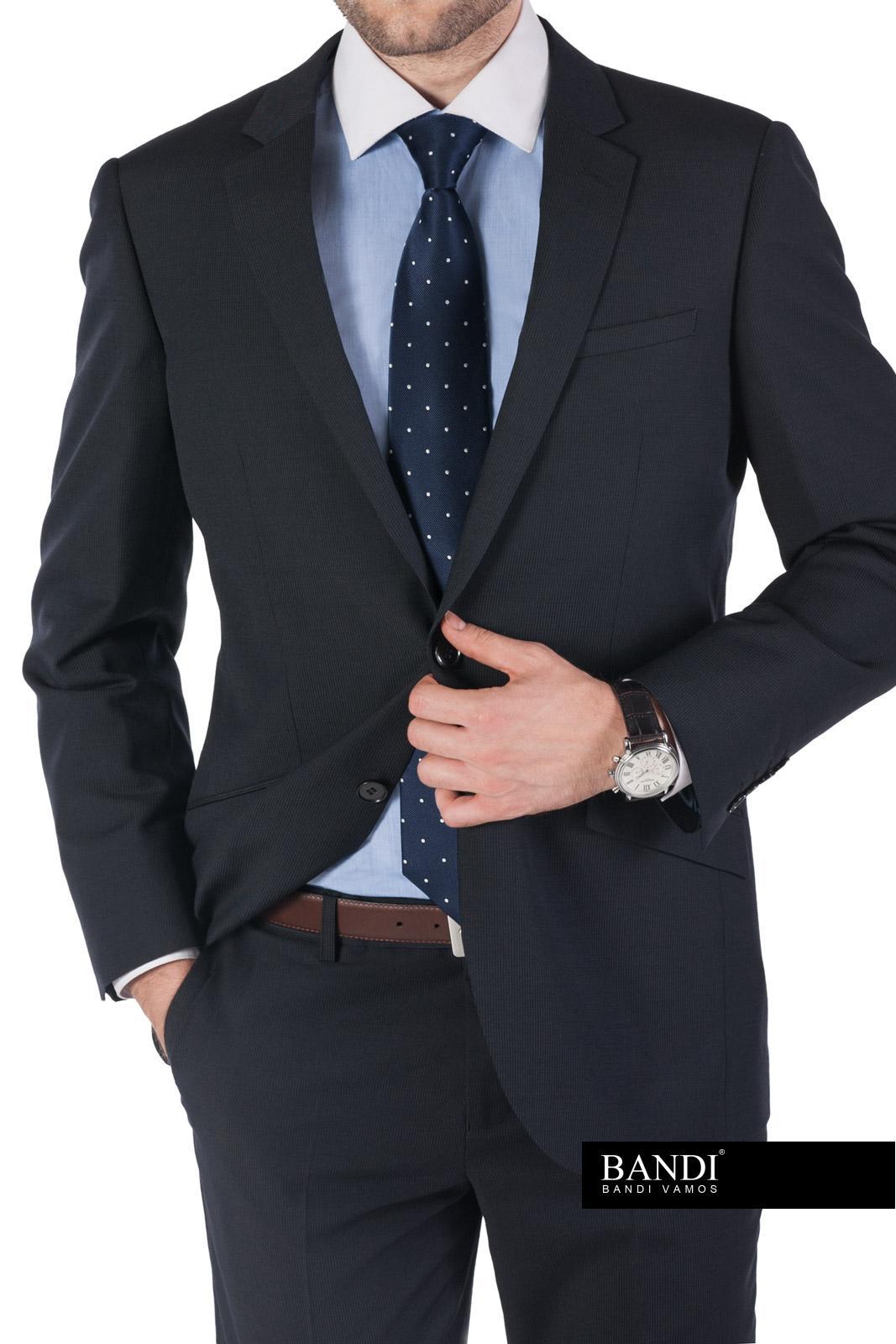 Puntíkovaná kravata přidá vašemu vzhledu na stylu