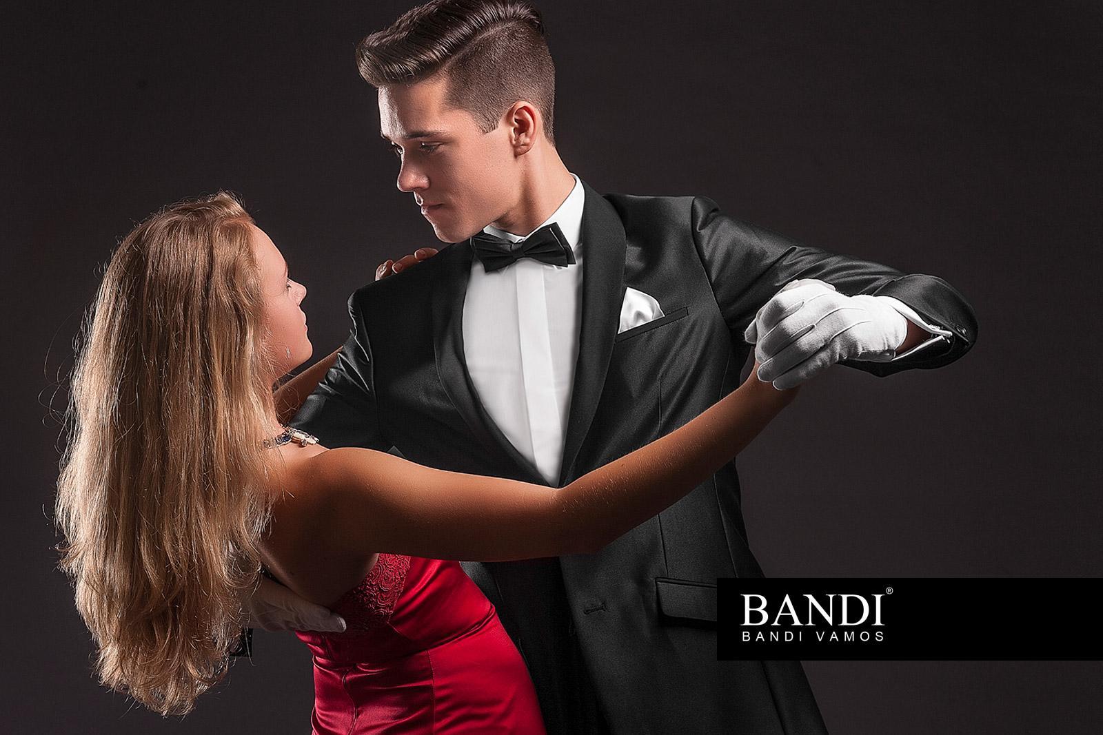Jak se obléknout na ples – úvodní fotografie 7b2bef702f1