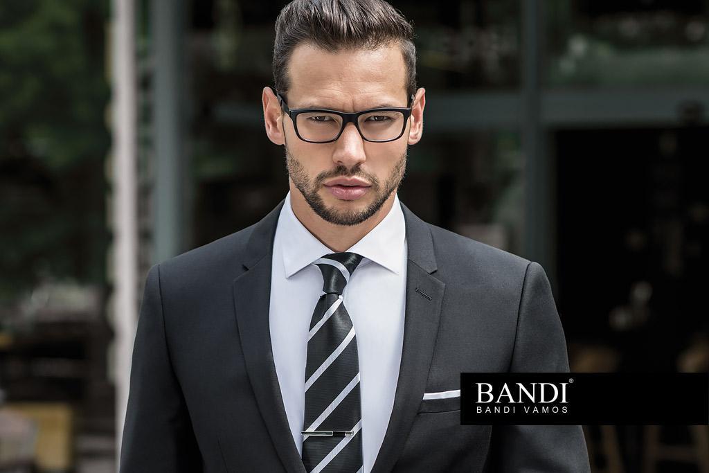 V černém obleku budete vypadat jako profesionál