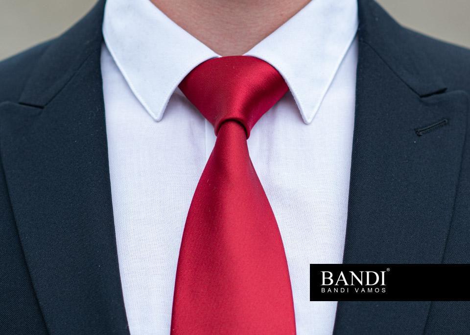 Kravatový uzel Pratt nejlépe doplní košili s úzkým límcem